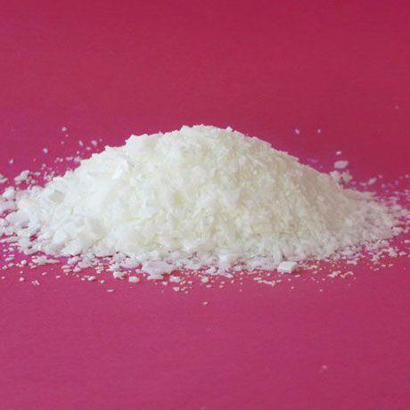 شکل ظاهری اسید استئاریک