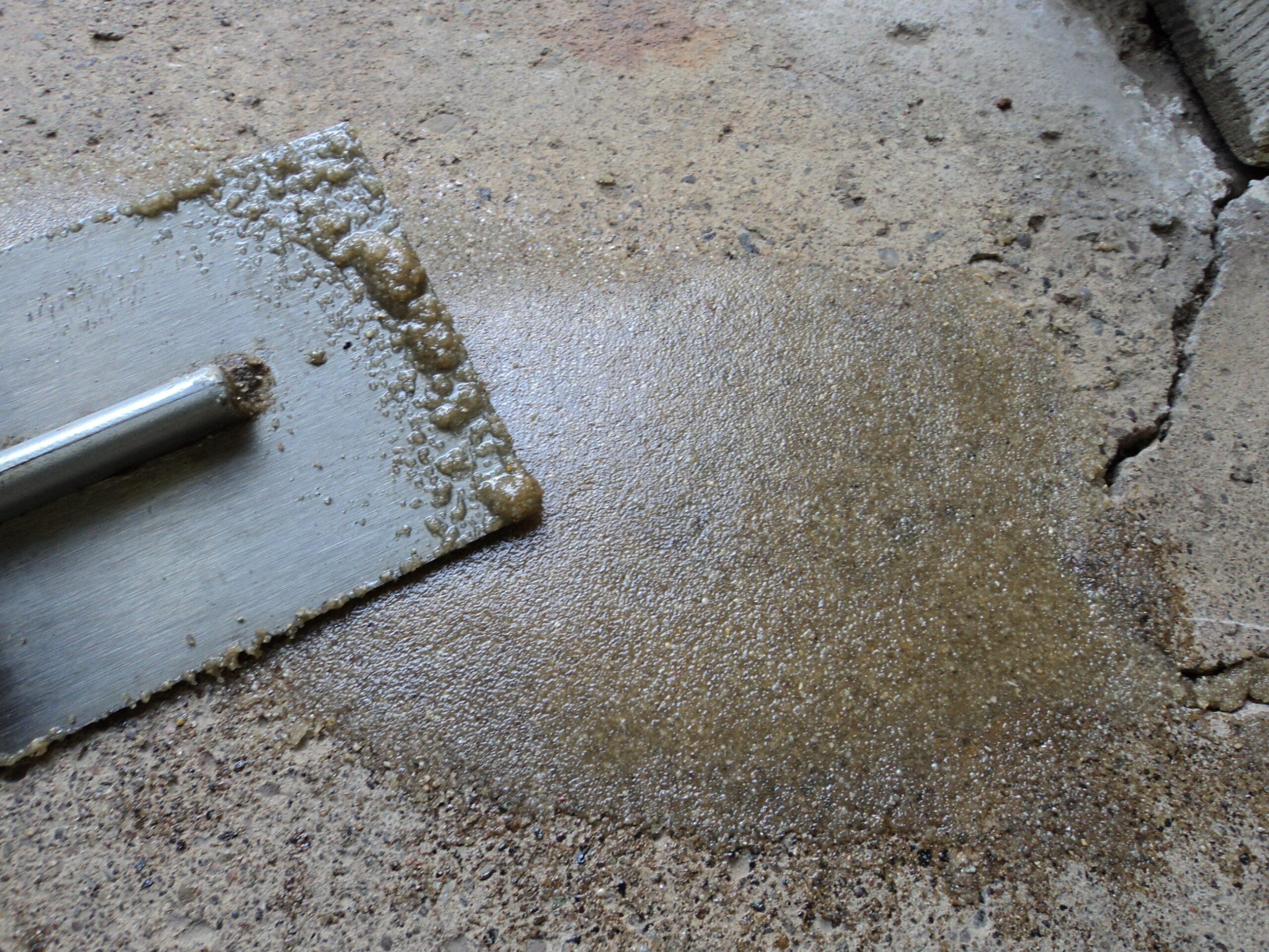 ترمیم بتن با استفاده از ترمیم کننده