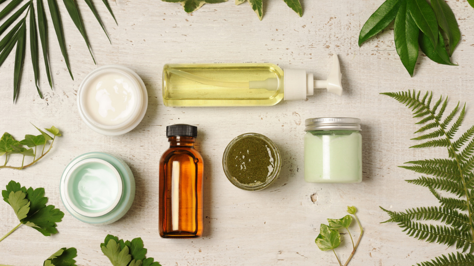 Application of phenoxyethanol in the cosmetics industry